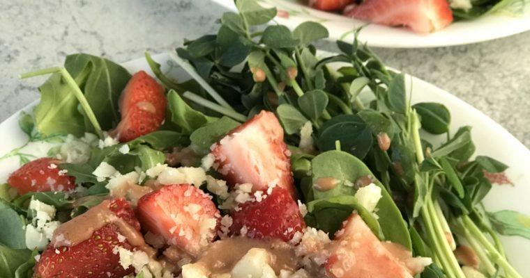 Arugula and Macadamia Salad with Strawberry Vinaigrette